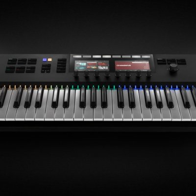 Native-Instruments-KOMPLETE-KONTROL-S49-01